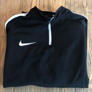 Nike Youth Boys pullover dri-fit